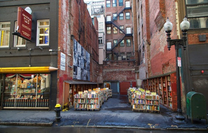 82205-brattle-bookshop-boston2