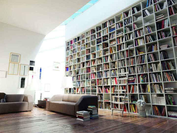 bookshelf-apartment-space