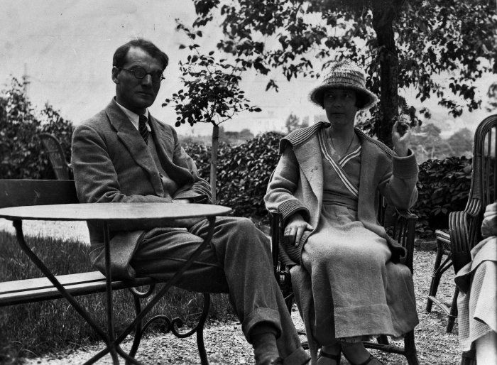 Katherine Mansfield and John Middleton Murry in garden at Chateau Belle Vue, Sierre, July 1922