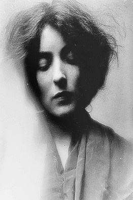 mina-loy-black-and-white-young