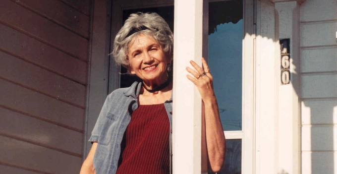 Alice Munro: Master of the Contemporary Short Story