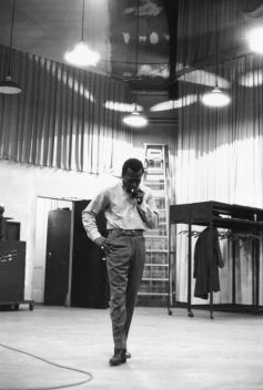 milesdavis-kindofblue-columbiastreetstudio-donhunstein